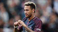 Brazilec Neymar z PSG oslavuje jeden ze svých gólů proti Bordeaux.