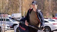 Útočník Filip Chytil přichází na sraz hokejové reprezentace před přípravnými zápasy s Německem.