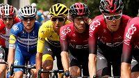 Egan Bernal z Kolumbie na archivním snímku ve žlutém trikotu při Tour de France.