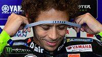 Italský motocyklový závodník Valentino Rossi na okruhu v Misanu.