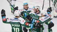 Karlovarští hokejisté slaví, dostali se do čela WSM ligy (ilustrační foto)