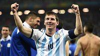 Lionel Messi proměnil první argentinský penaltový pokus a pak mohl jásat. Zahraje si finále.