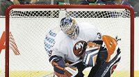 Hokejový brankář Rick DiPietro v roce podpisu smlouvy s Islanders.