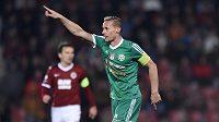 Tomáš Zápotočný z Příbrami se raduje z vedoucího gólu proti Spartě.