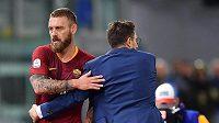 Kapitán fotbalistů AS Řím Daniele De Rossi si v utkání s Empoli zlomil článek prstu na levé noze.