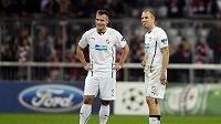 Fotbalisté Plzně Stanislav Tecl (vlevo) a Daniel Kolář po konci zápasu s Bayernem Mnichov.
