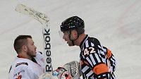 Hokejový rozhodčí Antonín Jeřábek je v nominaci na mistrovství světa.
