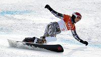 Ester Ledecká ve finále olympijských her v paralelním obřím slalomu ve snowboardingu.
