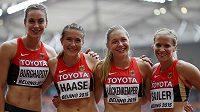 Německá sprinterka Verena Sailerová (vpravo) končí s atletikou.