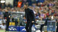 Kouč Atlétika Madrid Diego Simeone prožívá semifinálový duel Ligy mistrů proti Chelsea.