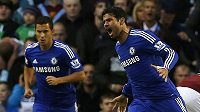 Nová posila Chelsea Diego Costa (vpravo) se raduje z gólu proti Burnley.