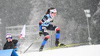 Česká běžkyně Kateřina Razýmová během závodu na 10 km v rámci SP v běžeckém lyžování v Novém Městě na Moravě.