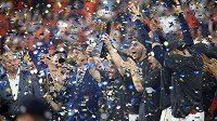Oslavy hráčů Houstonu po vítězství nad New York Yankees.