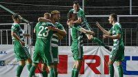 Fotbalisté Bohemians se radují z branky Tomáše Necida v utkání 31. kola Fortuna ligy proti Liberci.