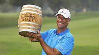 Sedmačtyřicetiletý americký golfista Stewart Cink ovládl úvodní turnaj nové sezony PGA Tour Safeway Open v kalifornské Napě.