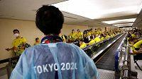 Australští sportovci na letišti Narita v Japonsku, kde se konají olympijské hry.