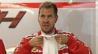 Němec Sebastian Vettel před startem tréninku při GP Japonska.