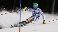 Německý lyžař Felix Neureuther během slalomu v Madonna di Campiglio.