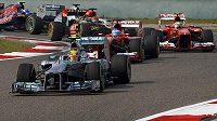 Hamilton dokázal udržet první pozici jen po startu, v průběhu závodu o ni totiž přišel.