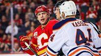 Hokejista Edmontonu Zach Kassian dostal v NHL dvouzápasový distanc za zbití útočníka Matthewa Tkachuka z Calgary.