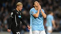 Zklamaný záložník Manchesteru City Samir Nasri po neproměněné šanci. Vlevo je František Rajtoral z Plzně.