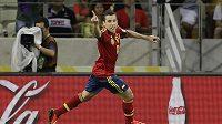 Španělský fotbalista Jordi Alba se raduje z gólu do sítě Nigérie.
