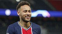 Vysmátá hvězda PSG - Neymar. Francouzský celek je v semifinále Ligy mistrů.