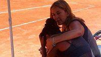 Zdrcená Daniela Seguelová na turnaji v Santiagu.