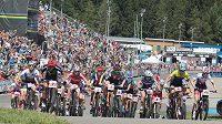 Start závodu žen do 23 let na MS horských kol v Novém Městě na Moravě.
