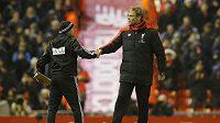 Trenér Liverpoolu Jürgen Klopp si po zápase s WBA potřásl rukou jen s asistentem trenéra Markem O'Connorem.