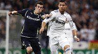Gareth Bale (vlevo) by se už brzy mohl stát spoluhráčem Cristiana Ronalda.