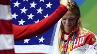 Ruská plavkyně Julia Jefimovová se stříbrnou medailí z prsařské stovky.