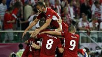 Čeští fotbalisté se radují z postupu do čtvrtfinále mistrovství Evropy.