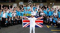 Lewis Hamilton si může zajistit šestý titul světového šampiona.