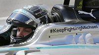 Německý jezdec Nico Rosberg odstartuje do GP Kanady z pole position.