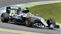 Britský pilot Lewis Hamilton.