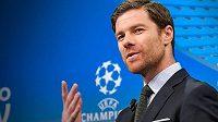 Fotbalisty Mönchengladbachu by mohl od příští sezony trénovat bývalý španělský záložník Xabi Alonso.