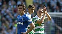 Joey Barton z Glasgow Rangers (vlevo).