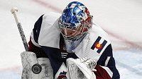 Semjon Varlamov z Colorada při utkání s Winnipegem.