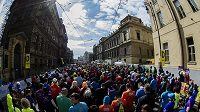 Tisíce běžců trénují, mnozí samostatně, pak se ale dokážou sejít na společné akci.