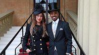 Mo Farah s manželkou Taniou v Buckinghamském paláci.