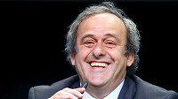 Současný prezident Evropské fotbalové unie Michel Platini oznámil svou kandidaturu na předsedu FIFA.