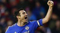 Pořád jsem bourák, dával najevo Frank Lampard, když proměnil penaltu...