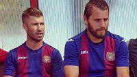 Fotbalista Pavel Šultes (vlevo) teď válí za Přední Kopaninu.