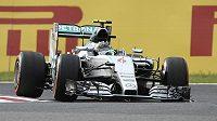 Pilot stáje Mercedes Nico Rosberg z Německa na trati v Suzuce.