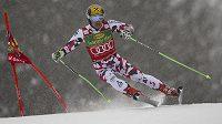 Rakouský lyžař Marcel Hirscher během obřího slalomu ve slovinské Kranjske Goře.