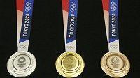 Medaile, o které se bude bojovat na olympiádě v Tokiu. Kolik jich získají čeští a slovenští sportovci?