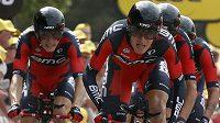 Tejay van Garderen táhne tým BMC za vítězstvím v časovce na Tour de France.