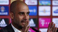 Trenér Pep Guardiola na tiskové konferenci při slavnostním začátku jeho angažmá v Bayernu Mnichov.