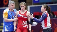 Adéla Hanzlíčková postoupila na mistrovství Evropy v zápase do finále a získá první medaili z velké seniorské akce v kariéře. Snímek je ze souboje, v němž porazila německou reprezentantku Marii Selmaierovou.